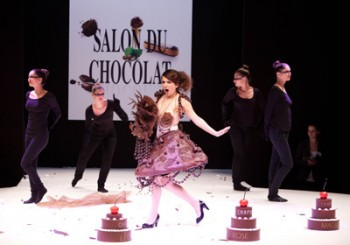 Fashion Chocolate Show, a Parigi gustosa sfilata di abiti al cioccolato (FOTO)